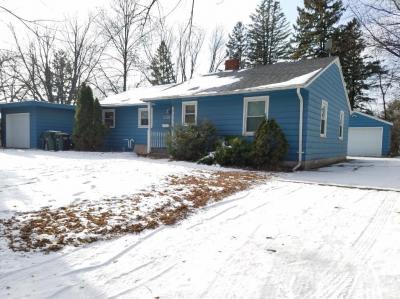 Photo of 338 SW Lake Street, Hutchinson, MN 55350