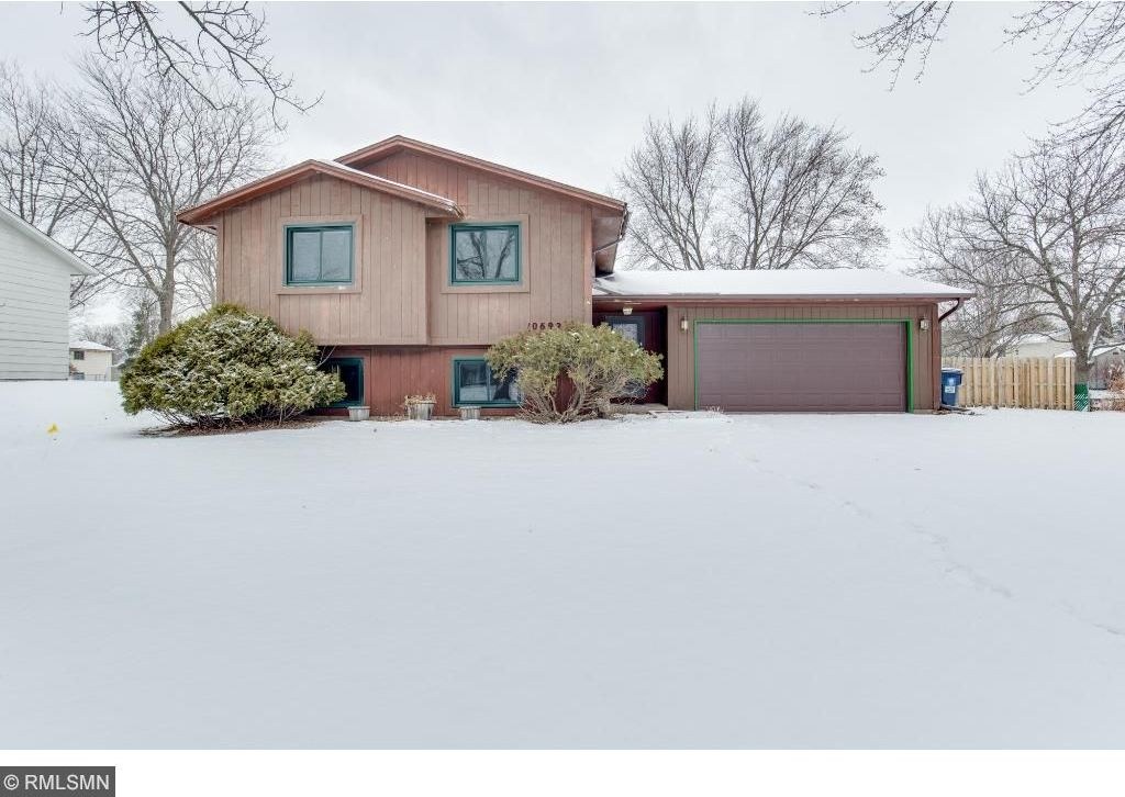 10692 N 95th Place, Maple Grove, MN 55369
