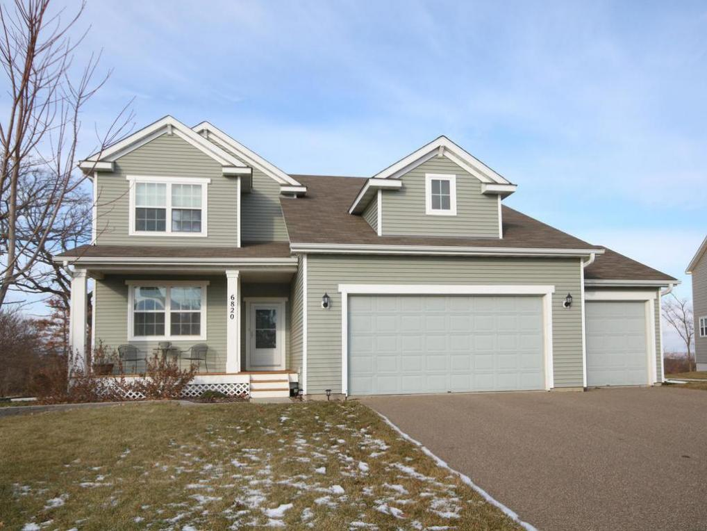 6820 Oakridge Court, Shakopee, MN 55379