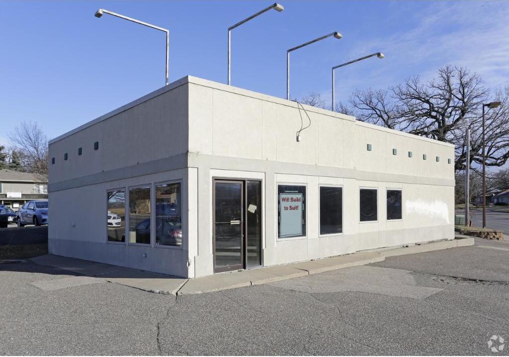 7120 S Cedar Lake Road, Saint Louis Park, MN 55426