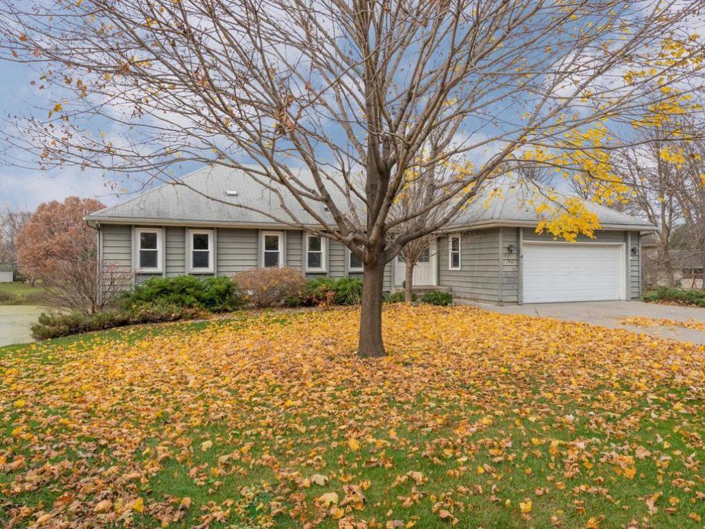 7124 Park View Lane, Eden Prairie, MN 55346