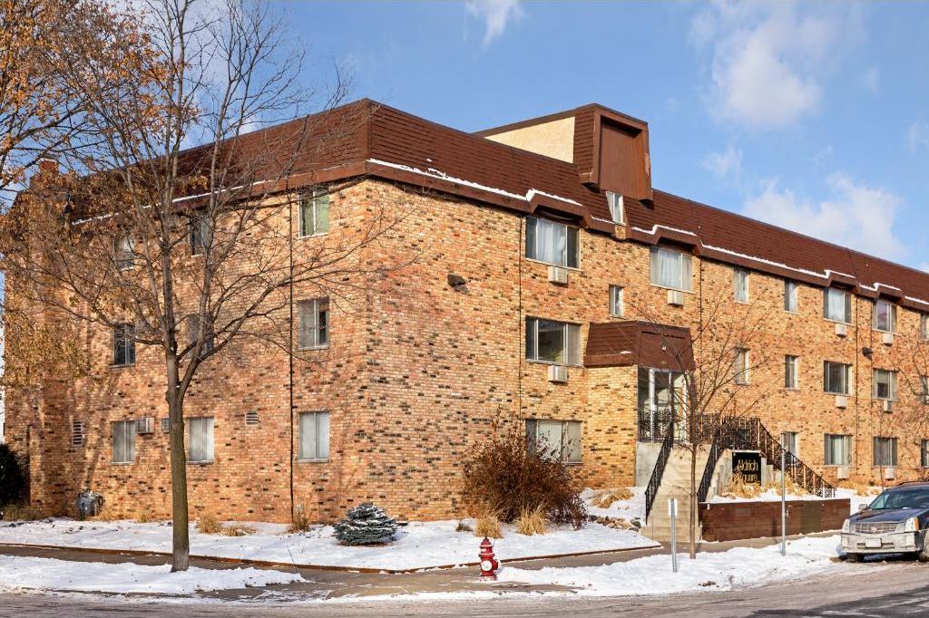 2446 S Aldrich Avenue #201, Minneapolis, MN 55405