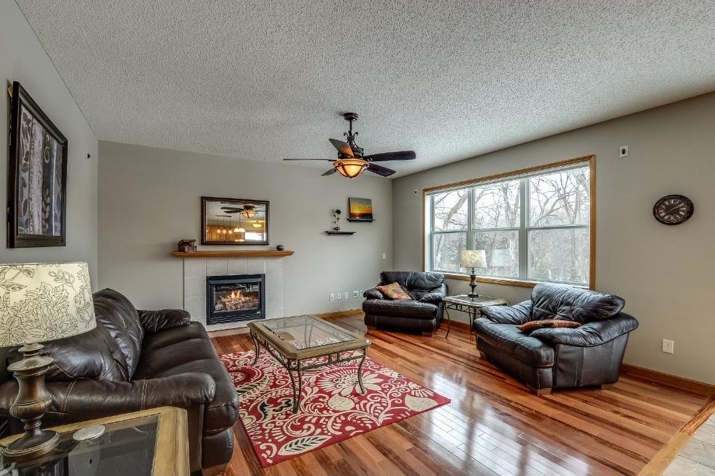 975 N Creekwood Drive, Champlin, MN 55316