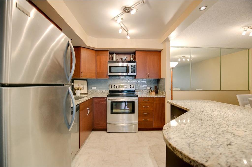 2885 S Knox Avenue #203, Minneapolis, MN 55408