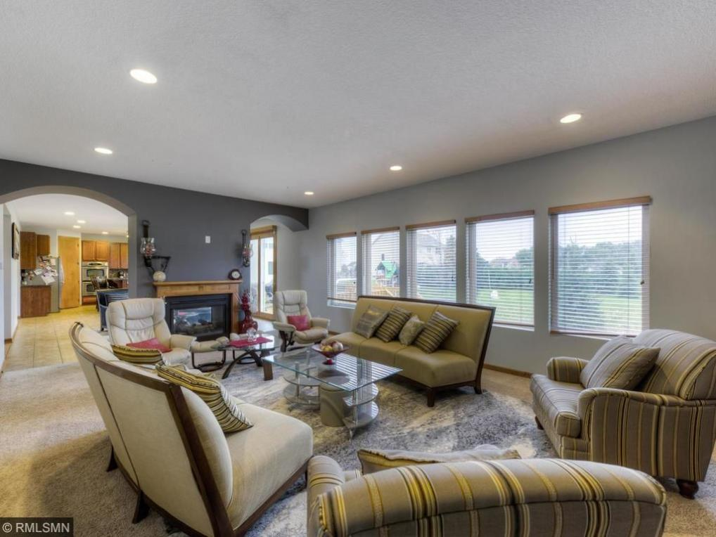 6207 N 106th Avenue, Brooklyn Park, MN 55443