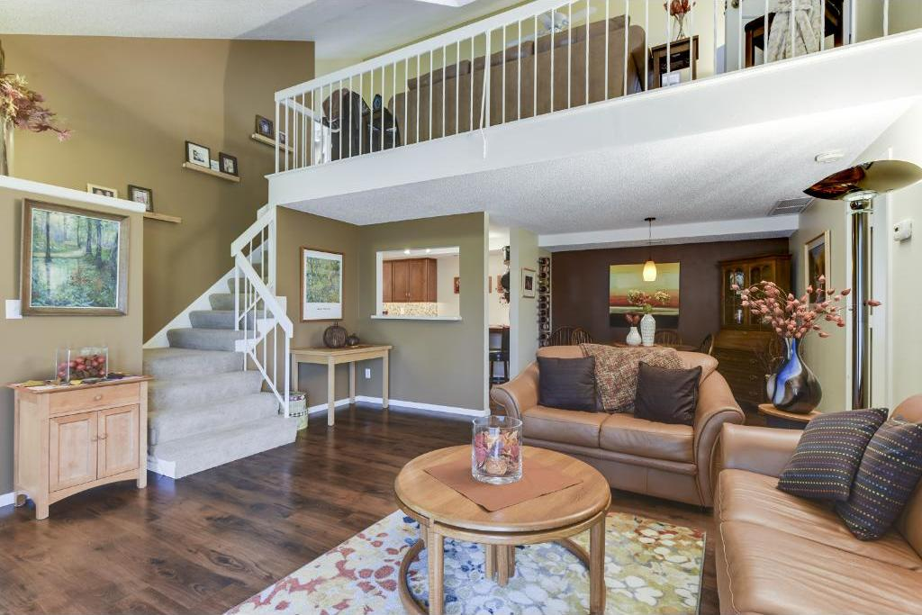 2222 E Kings Valley Road, Golden Valley, MN 55427