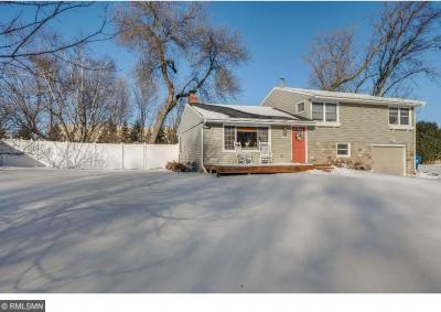 Photo of 11110 N Oak Knoll Terrace, Minnetonka, MN 55305
