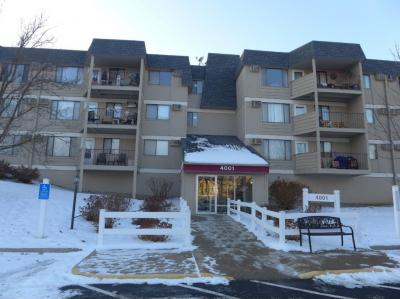 Photo of 4001 Heritage Hills Drive #307, Bloomington, MN 55437