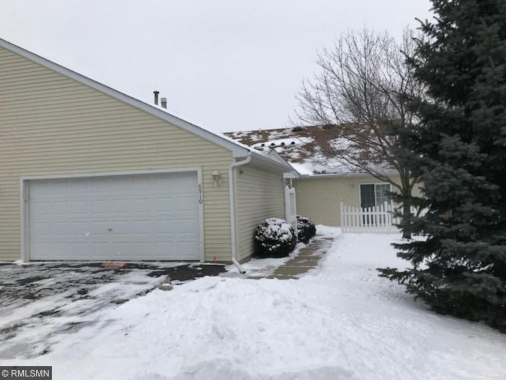 6910 Inverness Trail #31, Inver Grove Heights, MN 55077