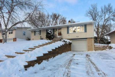 Photo of 33 E Imperial Drive, West Saint Paul, MN 55118