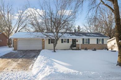 2334 Standridge Avenue, Maplewood, MN 55109