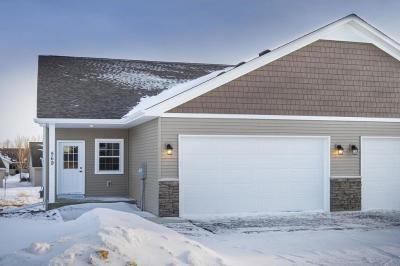 Photo of 569 Shoreview Lane, Norwood Young America, MN 55397