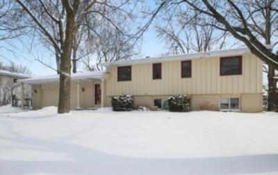 Photo of 13122 Finch Way, Apple Valley, MN 55124