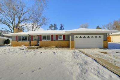 Photo of 10940 S Drew Avenue, Bloomington, MN 55431