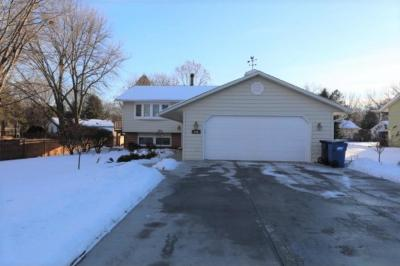 Photo of 146 E Rose Place, Little Canada, MN 55117