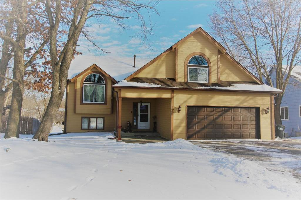1471 NW 105th Avenue, Coon Rapids, MN 55433