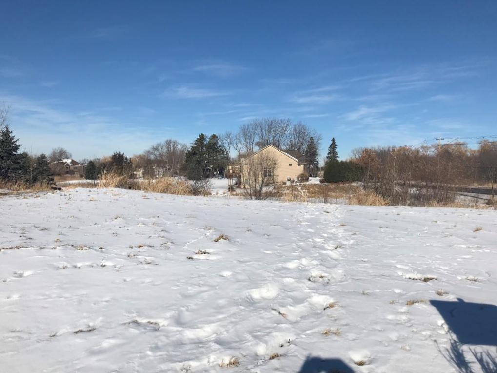 1670 Hunters Ridge Lane, Centerville, MN 55038
