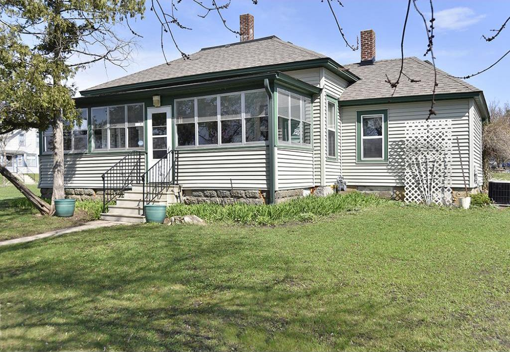 Mls 4901809 21 E Franklin Street Morristown Mn 55052