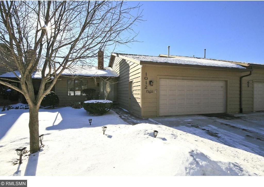 1012 NW Rolling Greens Lane, Hutchinson, MN 55350