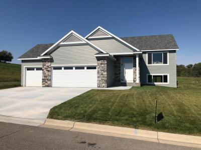 Photo of 520 Golfview Avenue, Zumbrota, MN 55992