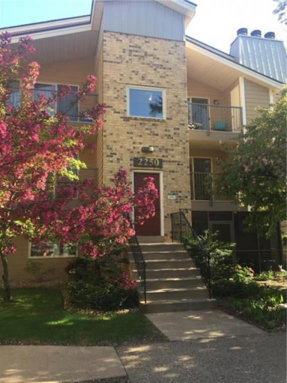 2250 Ridge Drive #21, Saint Louis Park, MN 55416