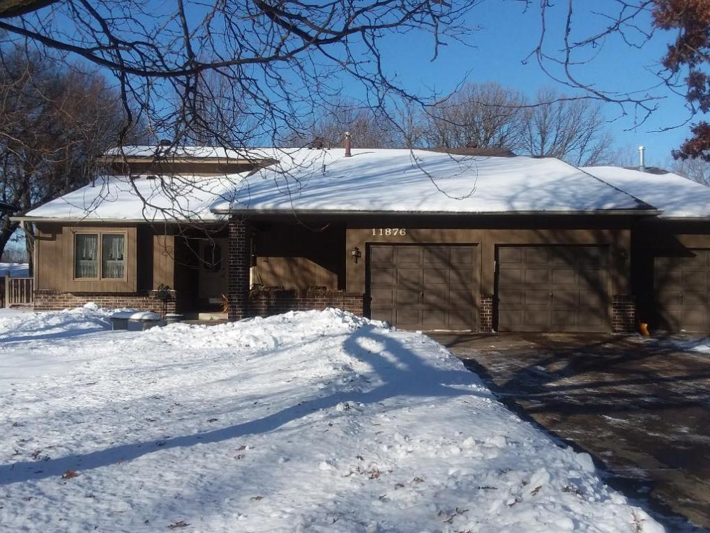 11876 NW Evergreen Circle, Coon Rapids, MN 55448
