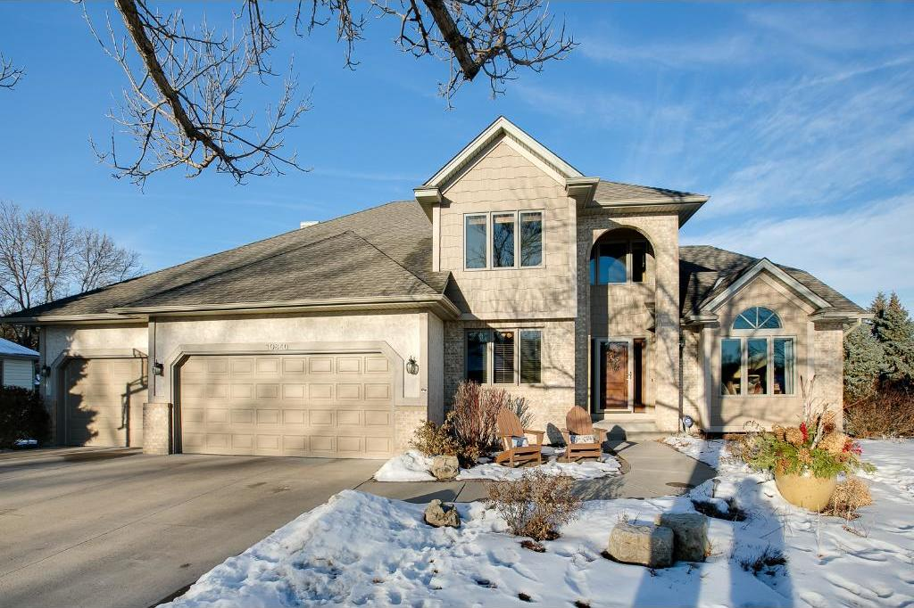 10840 N 46th Place, Plymouth, MN 55442