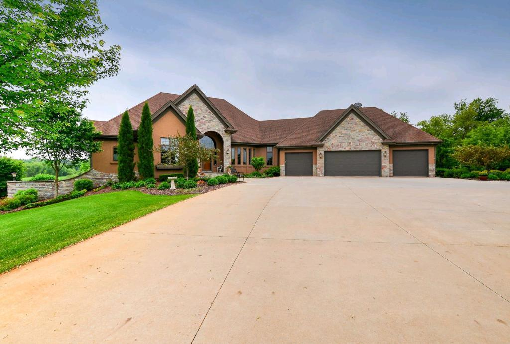 18787 Meadow View Boulevard, Credit River Twp, MN 55372
