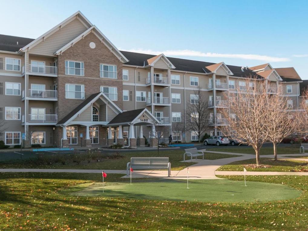 1480 W Applewood Court #210, Roseville, MN 55113