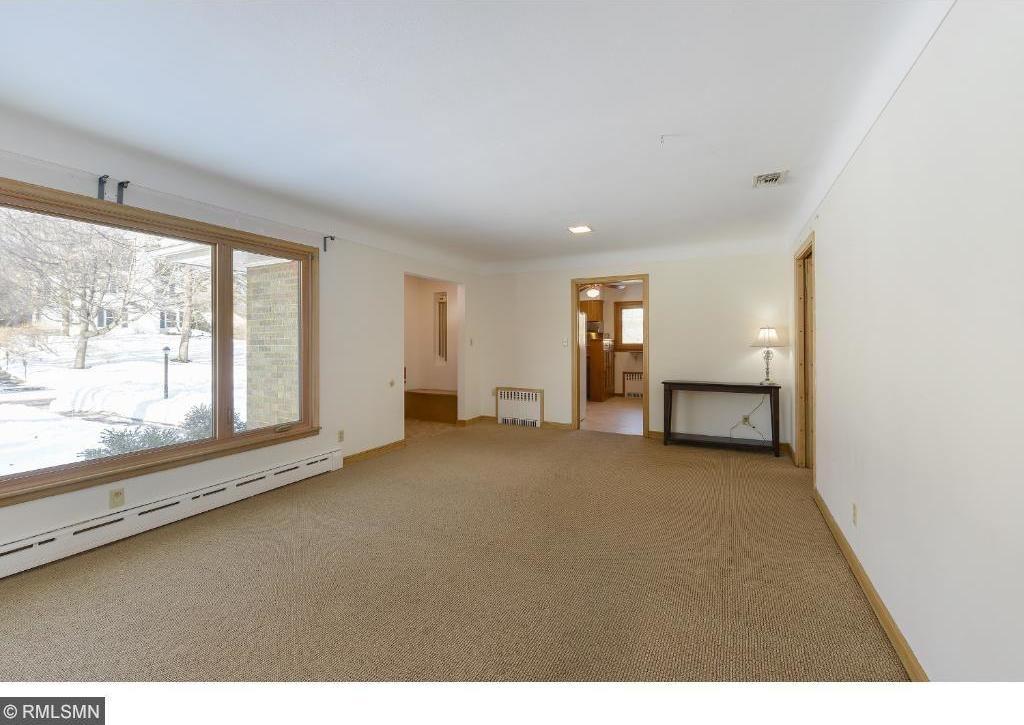 664 Montcalm Place, Saint Paul, MN 55116