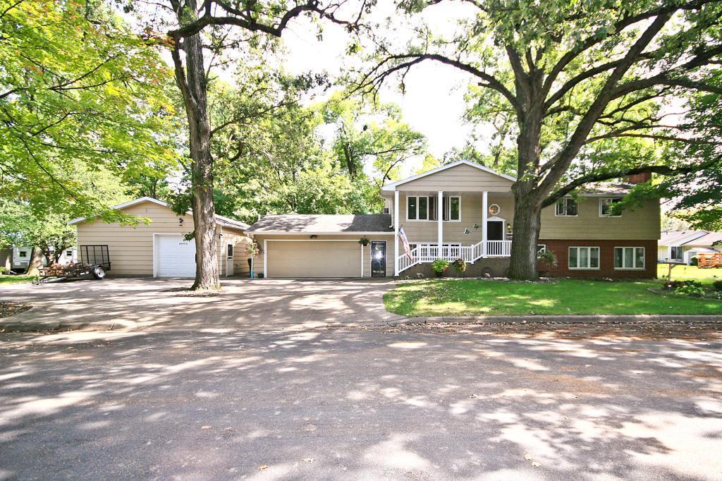 110 SE Oak Lane, Hutchinson, MN 55350