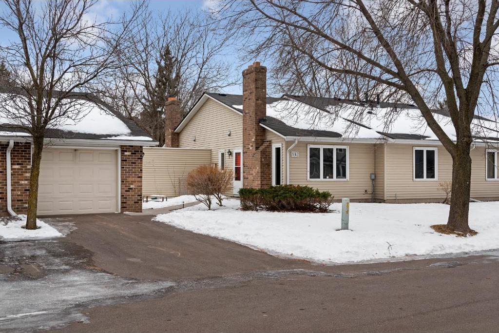 9362 N Ranchview Lane, Maple Grove, MN 55369