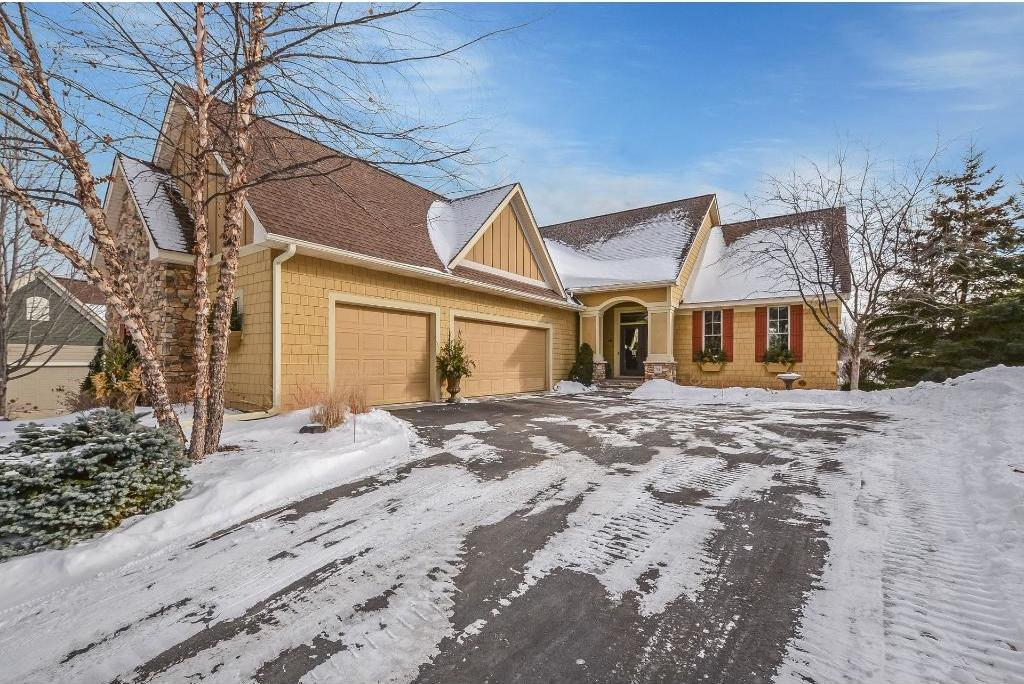24 White Pine Road, North Oaks, MN 55127