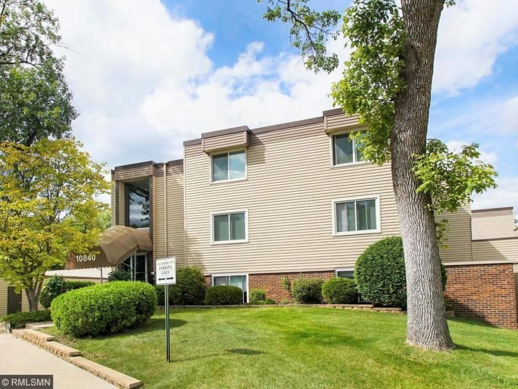 10840 Rockford Road #203, Plymouth, MN 55442