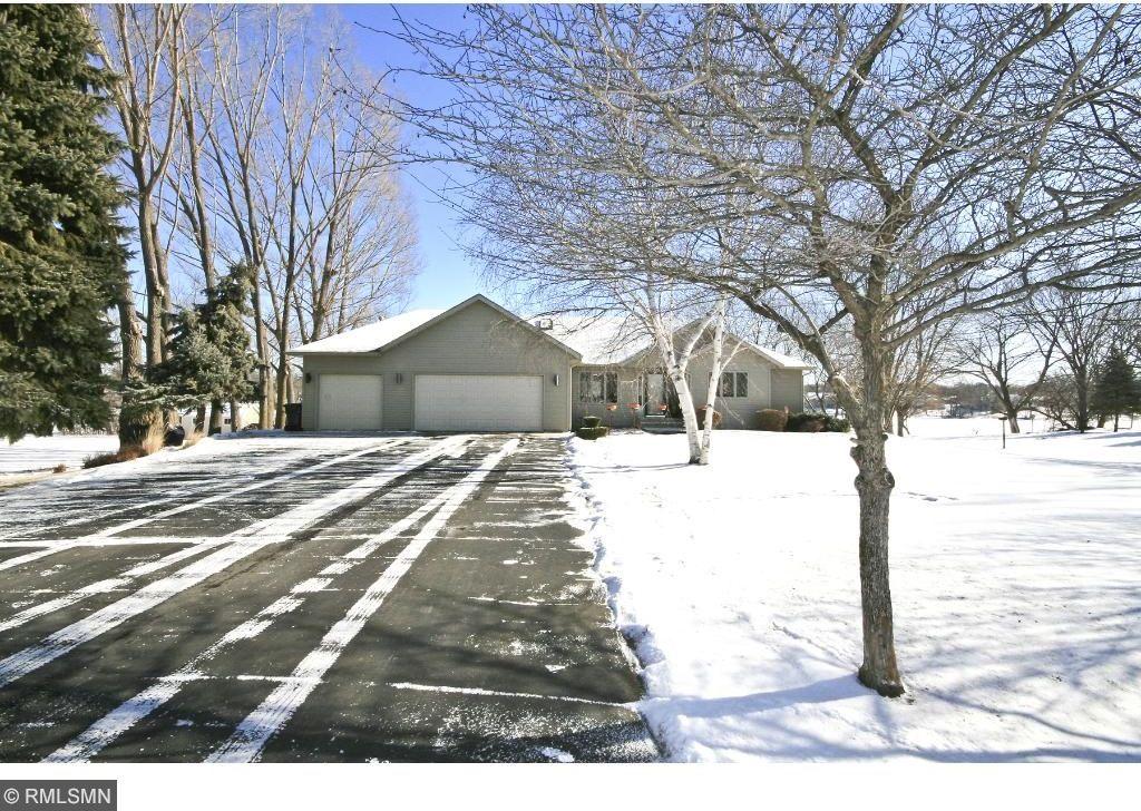 19564 Sioux Hills Road, Hutchinson, MN 55350
