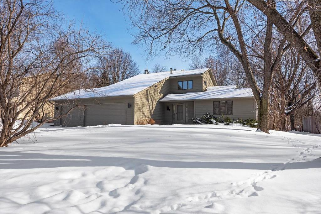 17611 Creek Ridge Pass, Minnetonka, MN 55345