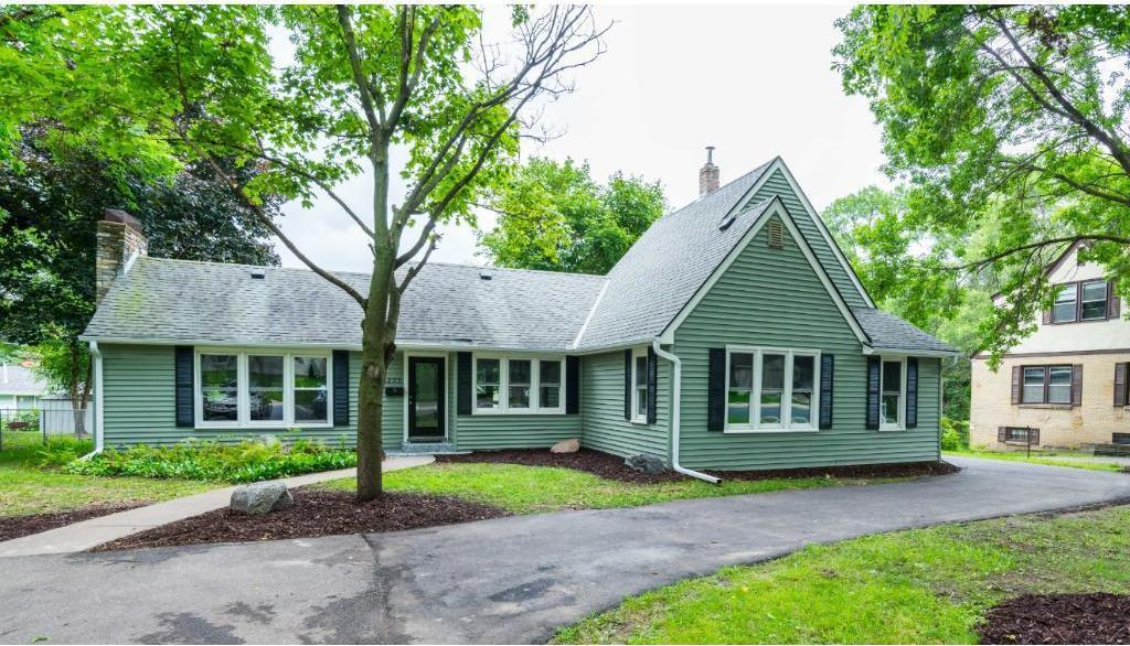 3235 N Noble Avenue, Golden Valley, MN 55422