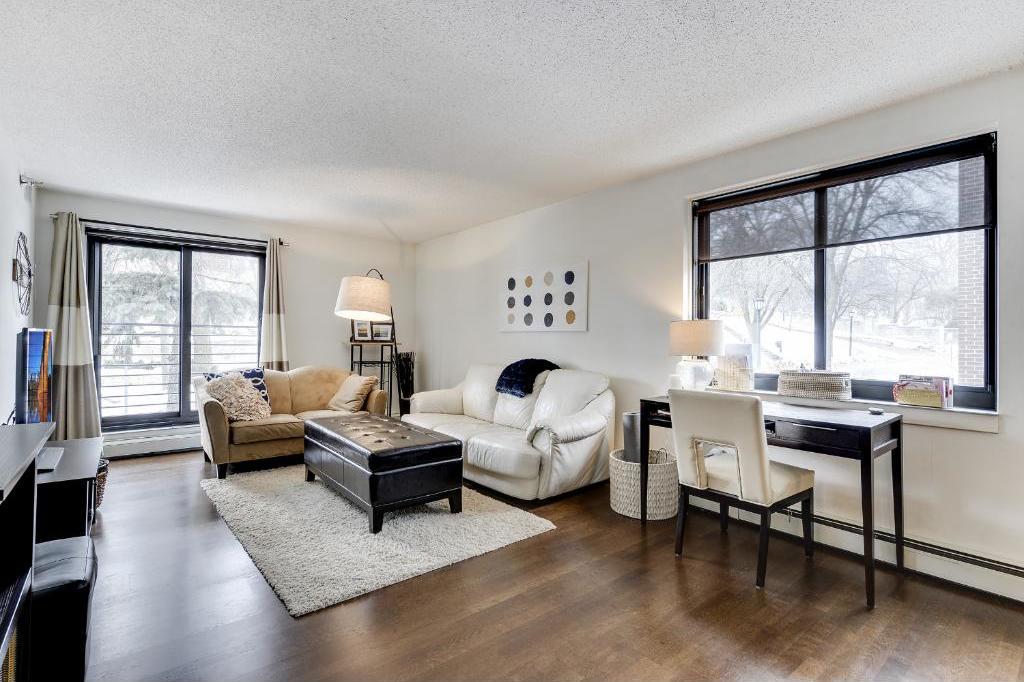 48 Groveland Terrace #B302, Minneapolis, MN 55403