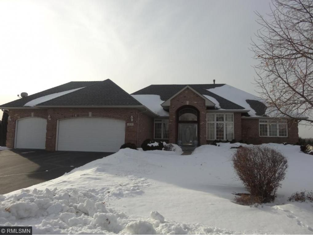 2628 Eagle Valley Drive, Woodbury, MN 55129