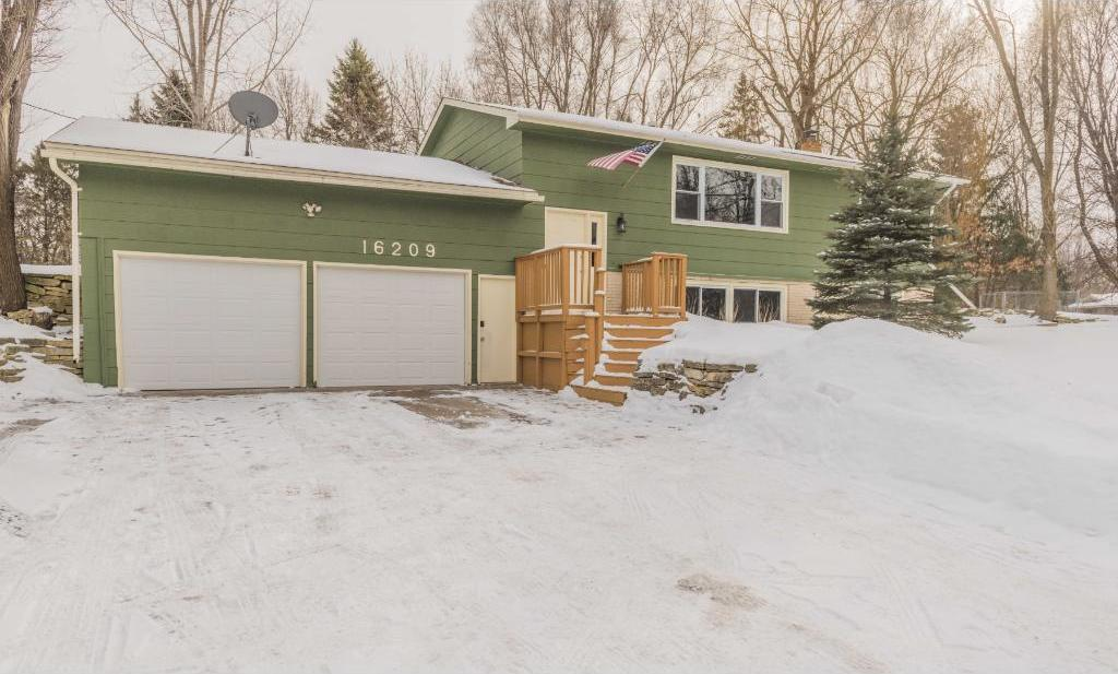 16209 NW Valley Drive, Andover, MN 55304