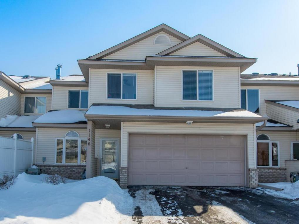 1146 W Crystal Place, Chaska, MN 55318