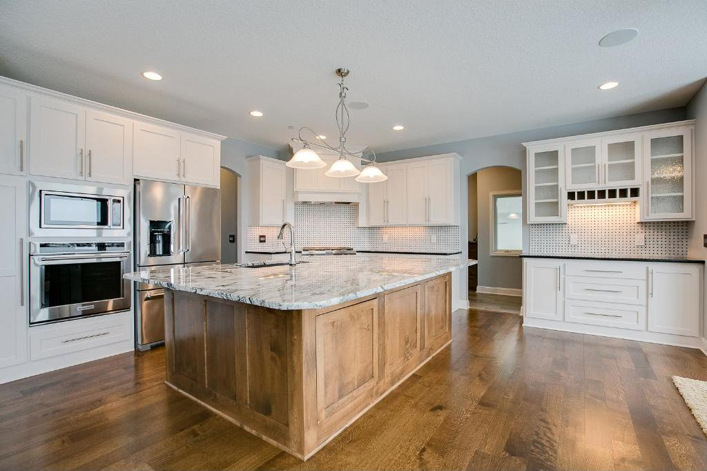5870 N Archer Lane, Plymouth, MN 55446