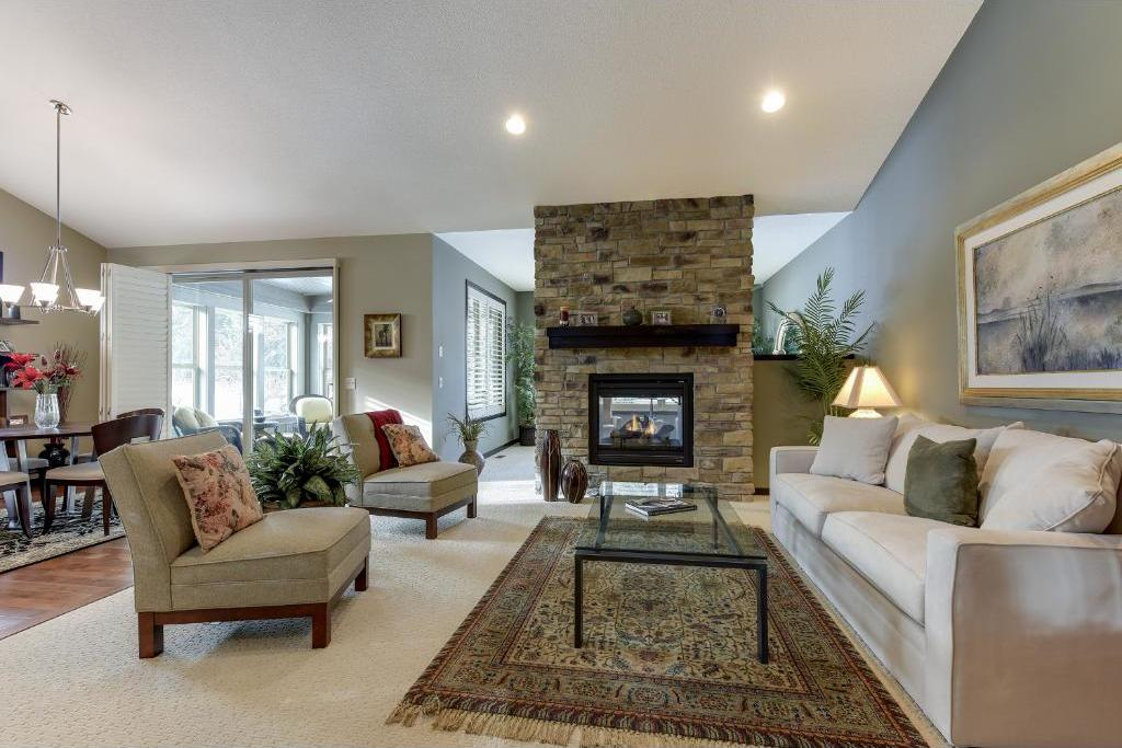 10777 Lyndale Bluffs Trail, Bloomington, MN 55420