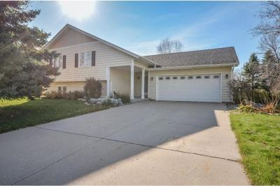 Photo of 451 Ridge Lane, Chaska, MN 55318