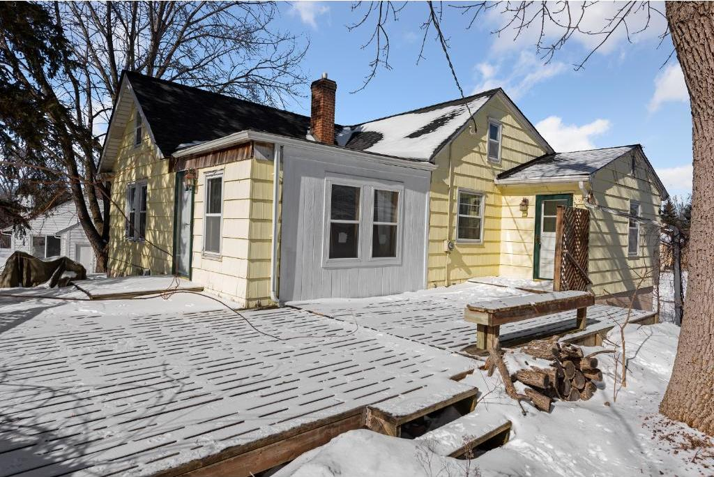 11025 N 36th Place, Plymouth, MN 55441