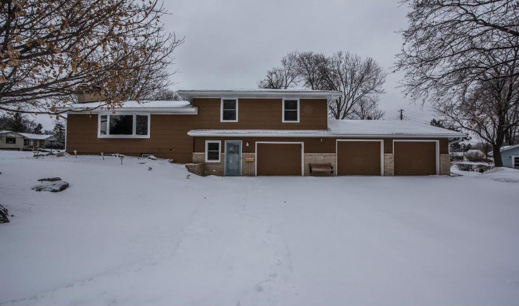 8701 S Beard Road, Bloomington, MN 55431