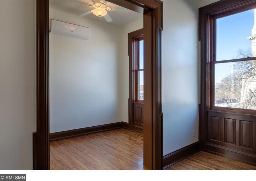 1605 Hennepin Avenue #35, Minneapolis, MN 55403