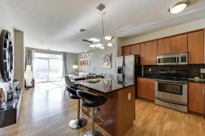 Photo of 301 Oak Grove Street #410, Minneapolis, MN 55403