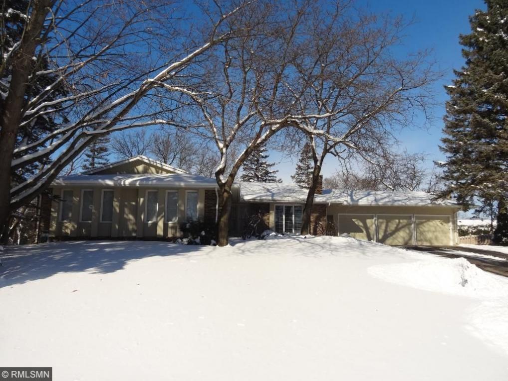 5712 Continental Drive, Edina, MN 55436