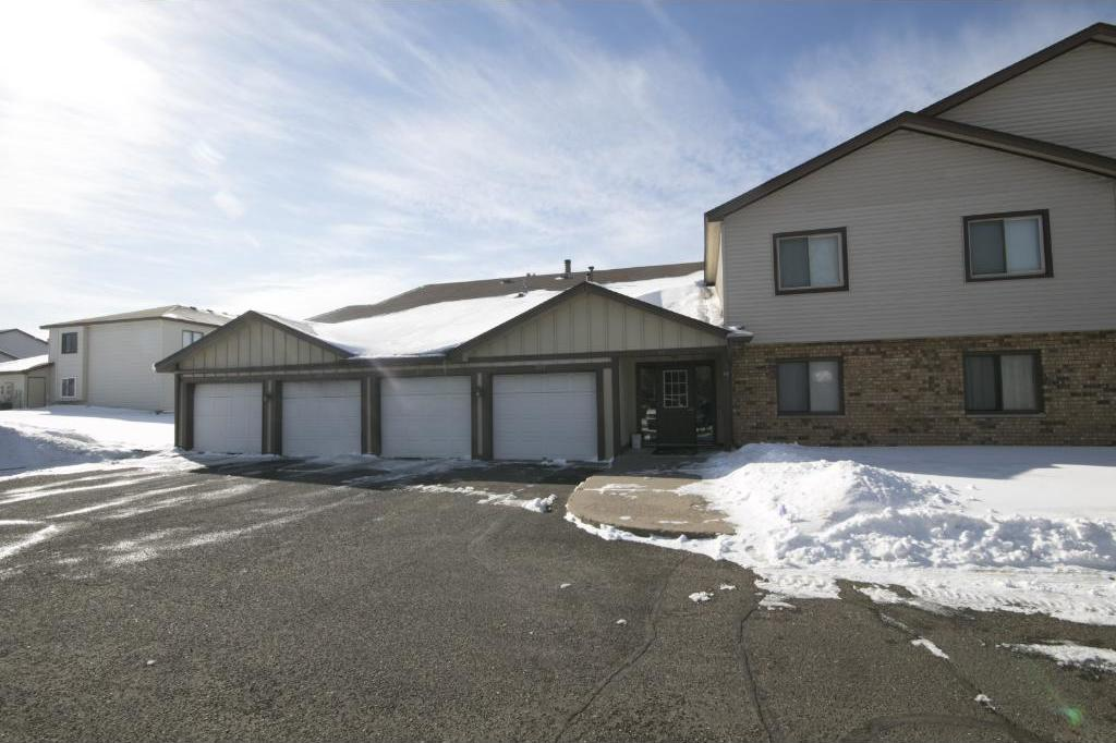 60 NW 94th Circle #201, Coon Rapids, MN 55448